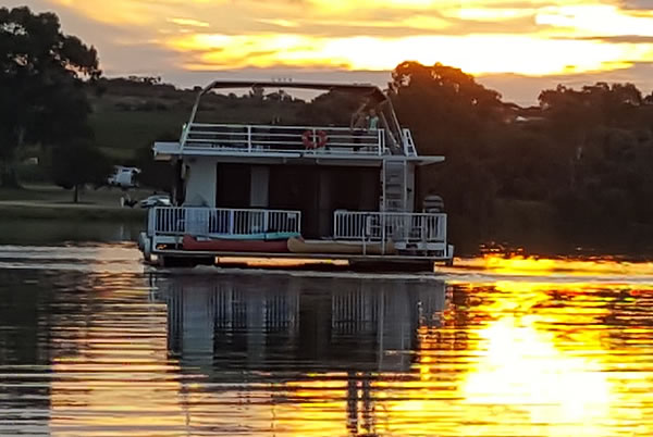 Kingston on Murray Houseboat Hire